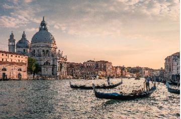 La Fenice di Venezia nel segno di Verdi